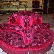 Divanetto rotondo in damasco rosa